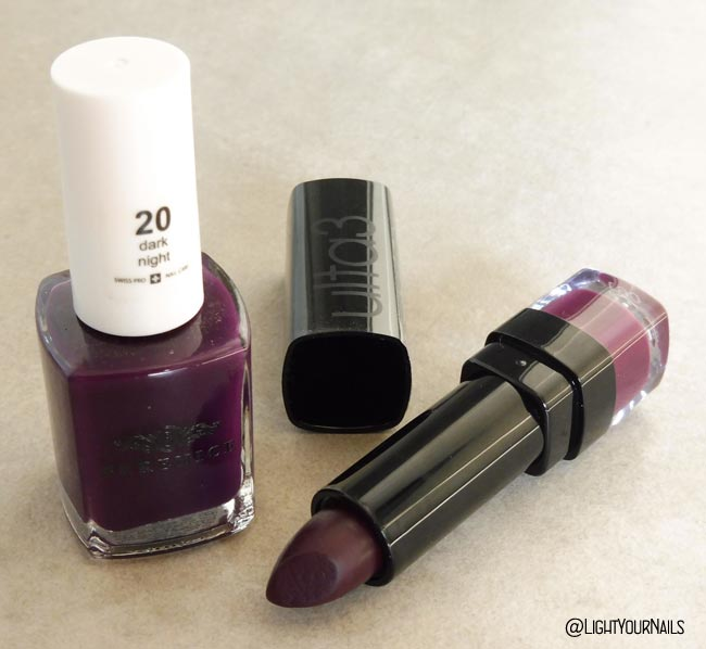 Smalto viola Berenice 20 Dark Night purple nail polish + rossetto Ulta3 061 Sweet Currant lipstick