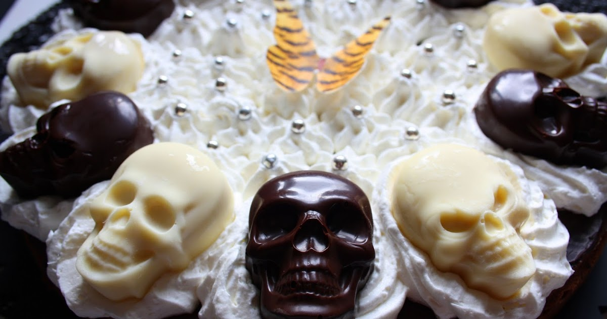 Rock and Owl Blog: Halloween #1: Die Chocolate-to-Death-Skully-Torte
