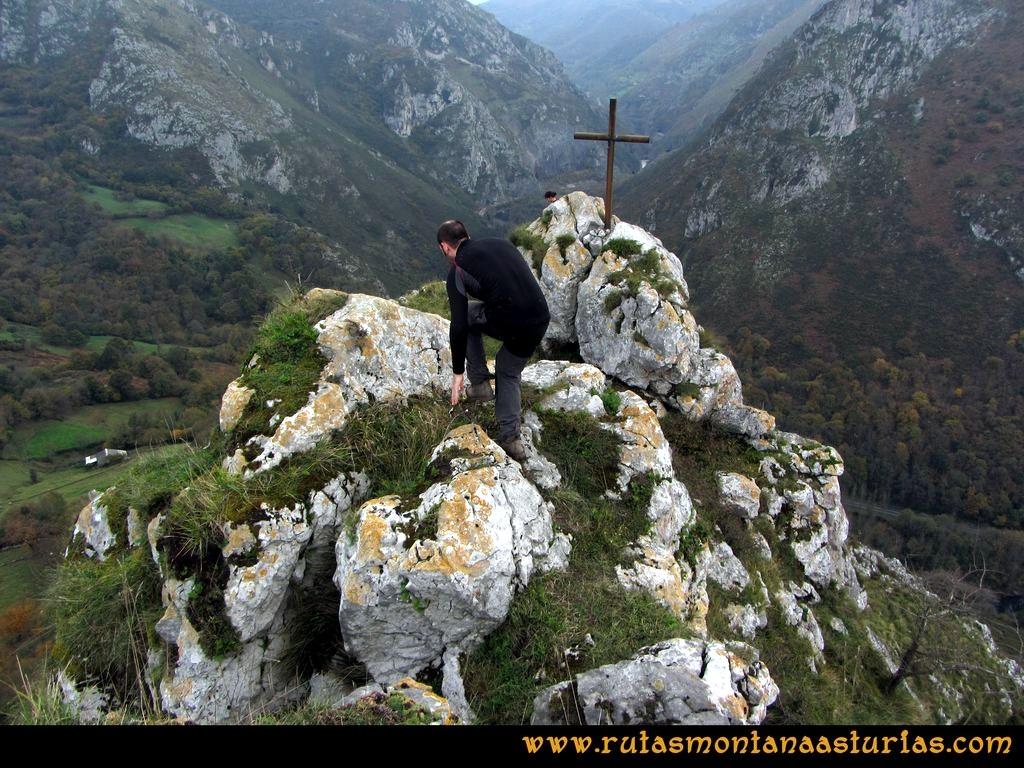 Ruta Baiña, Magarrón, Bustiello, Castiello. Cima del Pico Castiello