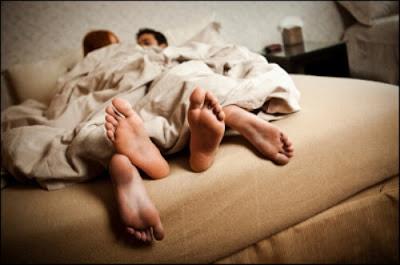 Quan hệ không dùng bao cao su làm tăng nguy cơ viêm âm đạo