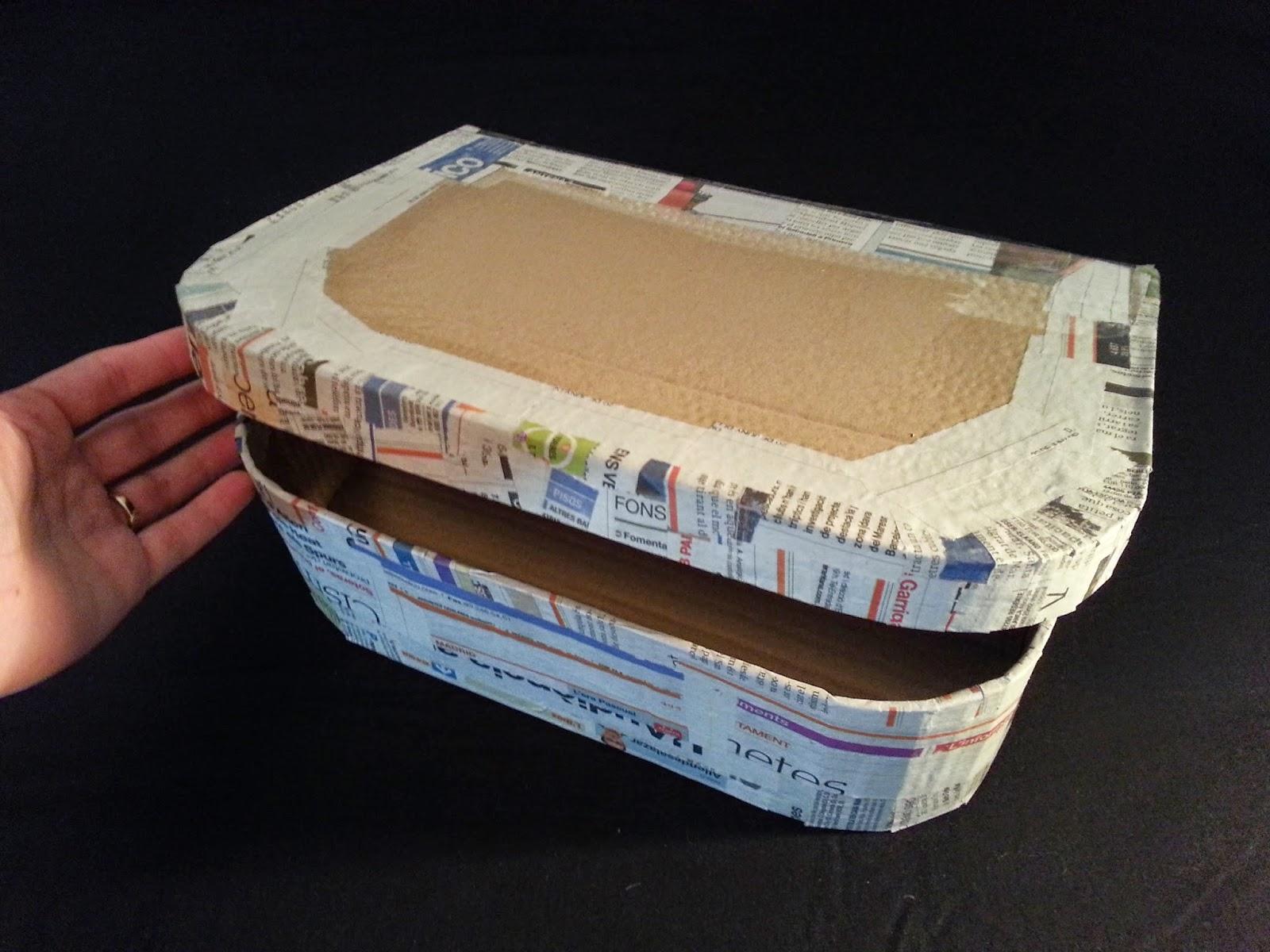 DIY paso a paso como hacer una maleta. scrap. imagen final maleta, carton