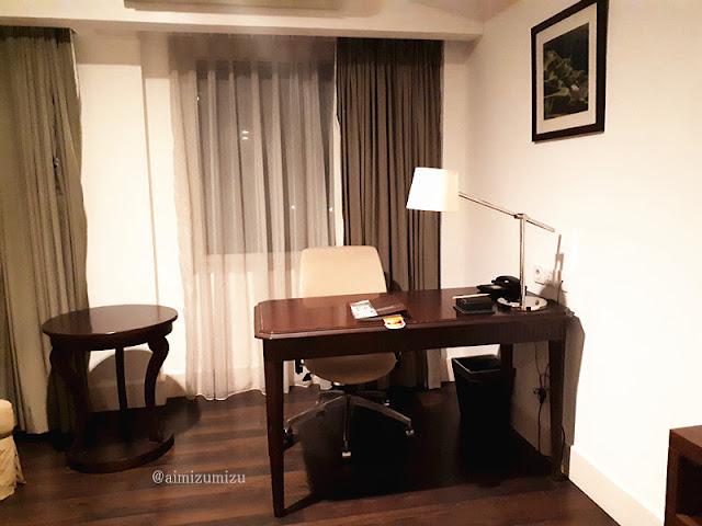 Suasana Kamar Delonix Hotel