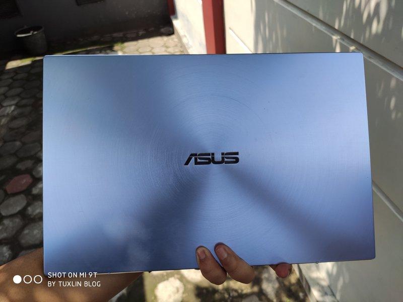 Asus Zenbook 14 UM431DA AM701T Review