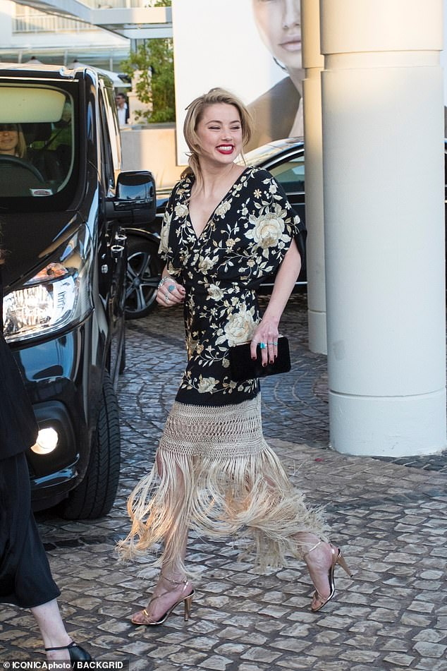 Amber Heard Latest Hot Photos