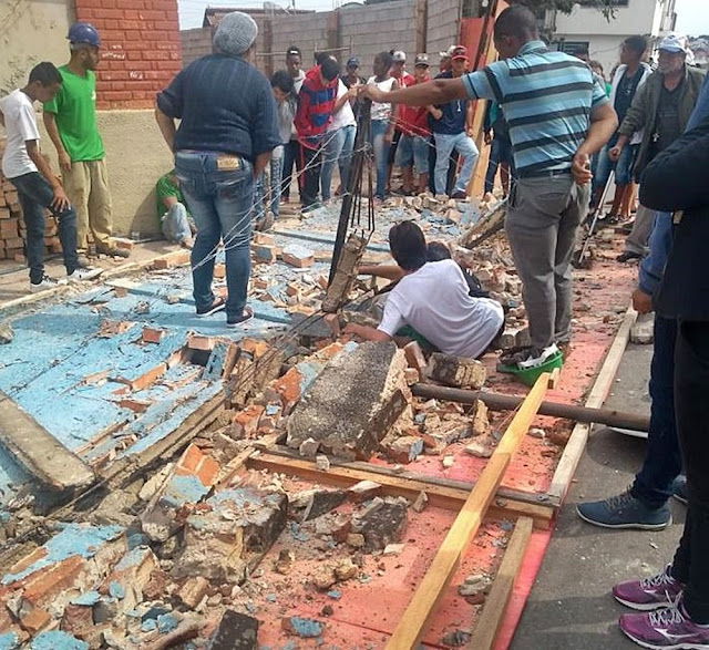 Muro de escola cai e deixa três feridos em Três Corações (MG) (Foto: Reprodução/Redes Sociais)
