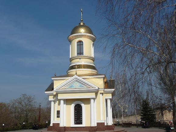 Николаев. Церковь святого Николая. УПЦ МП. 2005 г.