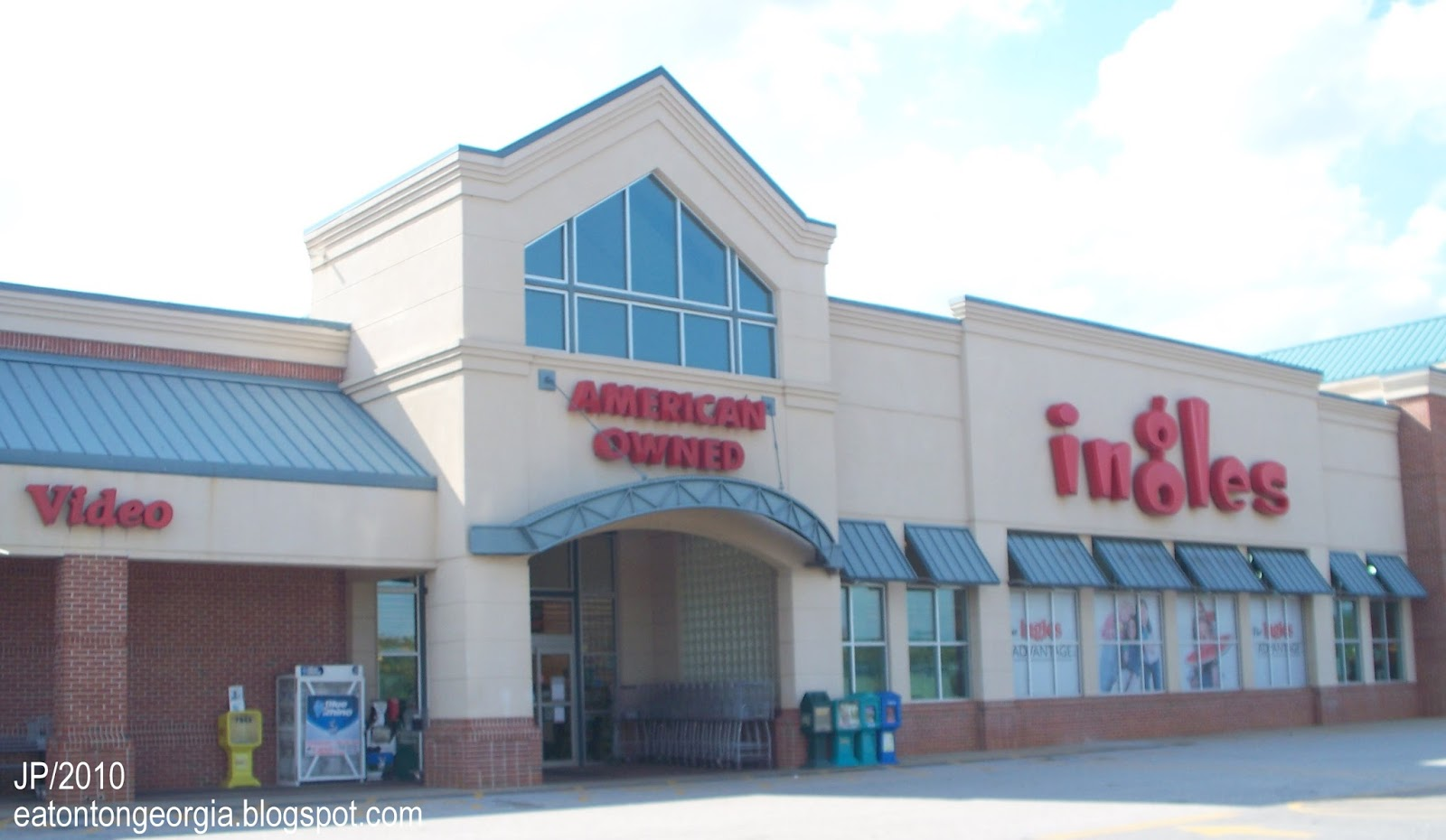 Ingles Grocery Front