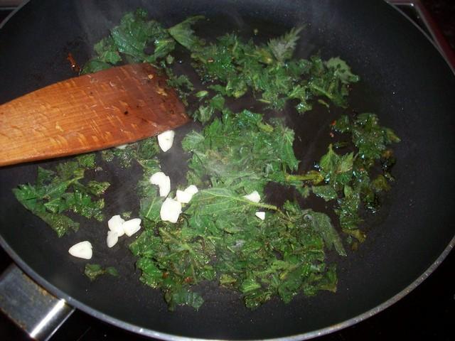 Cartofi prăjiți cu urzici: Rețetă de post fără gluten de Cristina G.