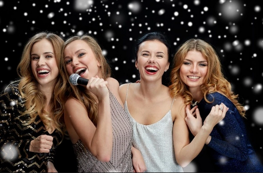 karaokean bersama sahabat