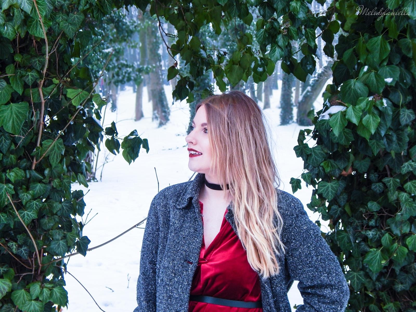 002a torebka manzana czarna czerwona aksamitna  sukienka zaful choker sammydress girl fashion zimowy lookbook stylizacja melodylaniella rajstopy veera pończochy fashion moda szary płaszcz