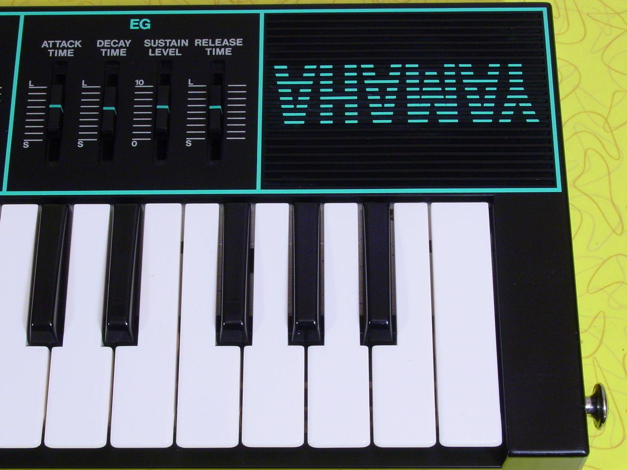 104_l Yamaha Cs01