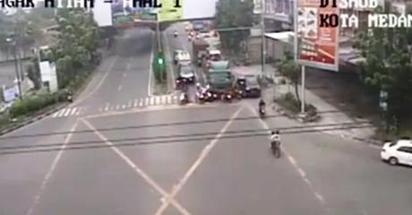 Ini Identitas Tiga Korban Tewas Akibat Kecelakaan Maut di Lampu Merah Jalan Ringroad