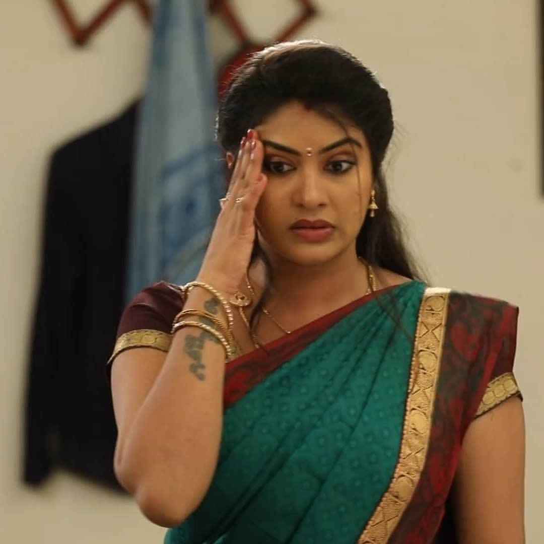 Rachitha mahalakshmi cute Expression, Hot TV Actress Tamil 5