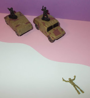 1:72nd Toy Soldiers; 1:76th - 1:72nd; 25mm Toy Figures; 6x6 Truck; A-Cav; A/CAV; Chap Mai; Chap Mai Plastic Toy; Deuce-And-A-Half; HO-OO Soldiers; Hummer; Hummers; Humvee; Jeep M38A1; Jeep Toy; Jeep Wrangler; Land Rovers; Lannie; Lanny; M1 Abrahams; M1 Abrams; M2 Bradley; M2 Bradley MICV; M3 Bradley; Small Scale World; smallscaleworld.blogspot.com;