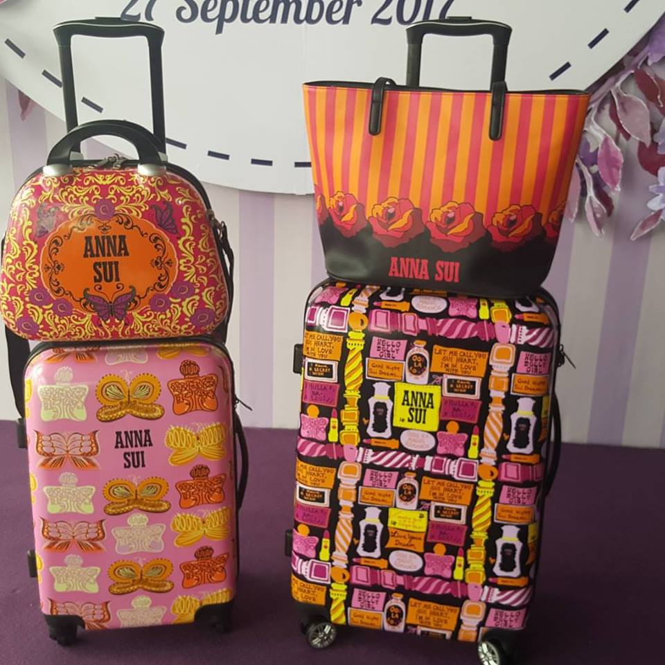 nameSherry  ANNA SUI DESIGNS TRAVEL BAGS EXCLUSIVELY  GUARDIAN MALAYSIA 5b7a05c3b3b40