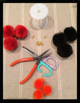 My Midlife Fashion Pom pom keyring DIY