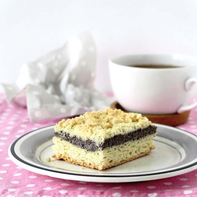 Saftiger Mohnkuchen mit Hefeteig und Streuseln | pastasciutta.de