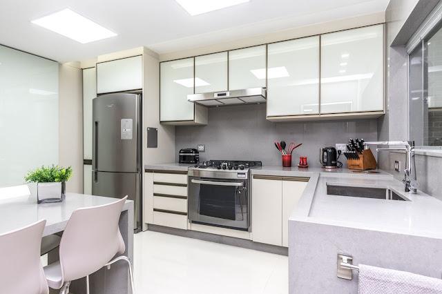 cozinha-com-mesa