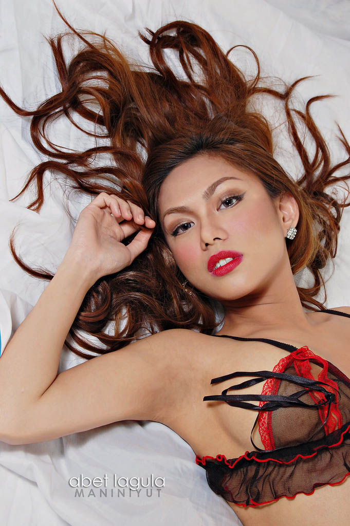 jahziel manabat sexy topless pics 03