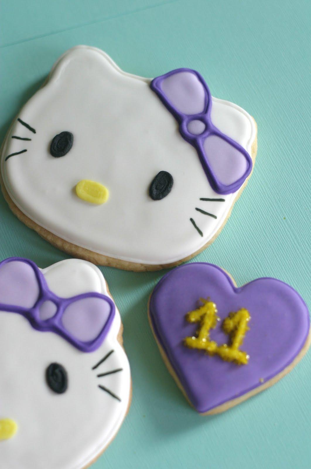 Maries Manor Hello Kitty: Pink Little Cake: Purple Bow-Hello Kitty Cookies