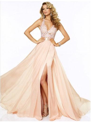 Jaką sukienkę na Studniówkę wybrać?