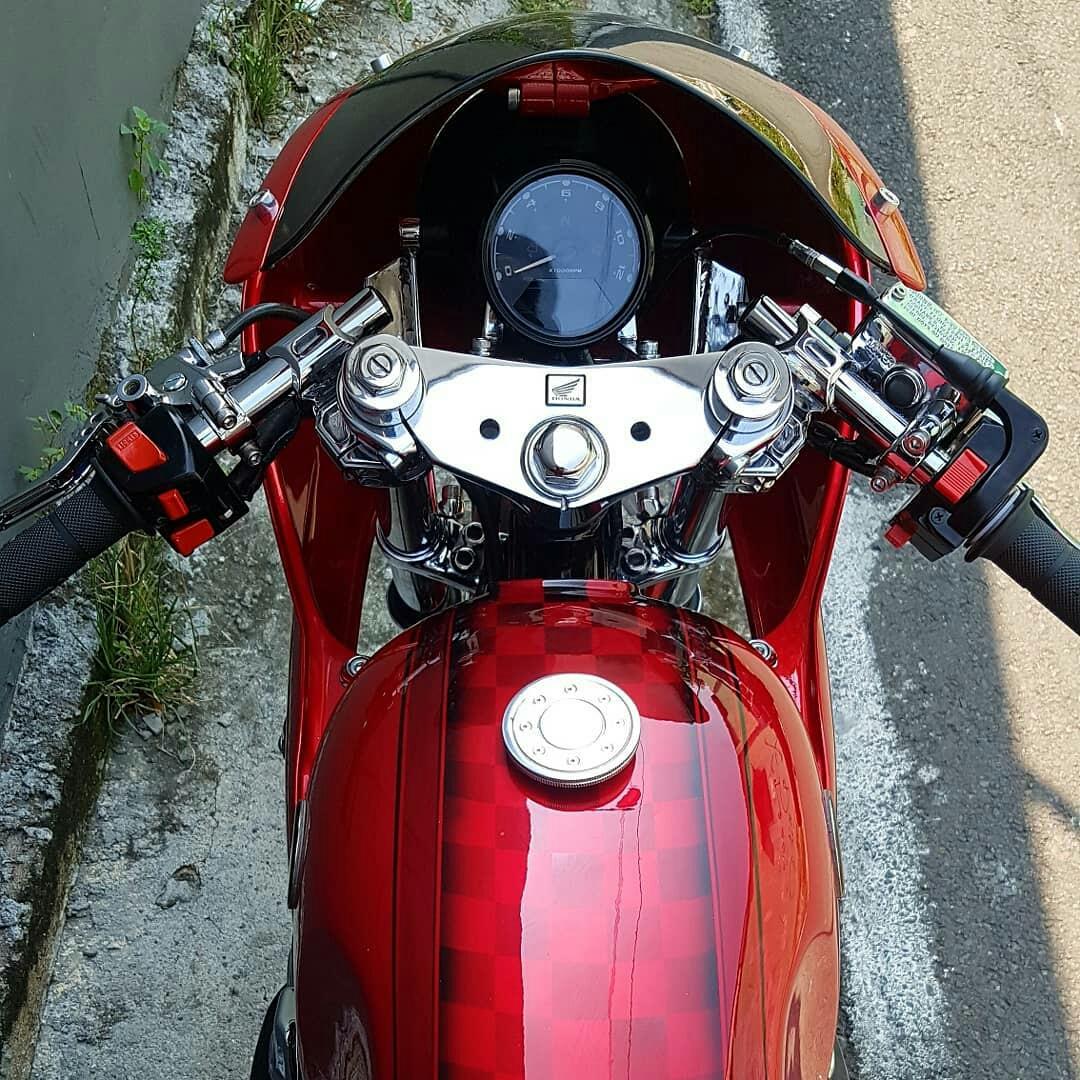 Modification Honda CB400 SF Cafe Racer