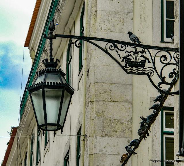 Lampião antigo na Baixa de Lisboa