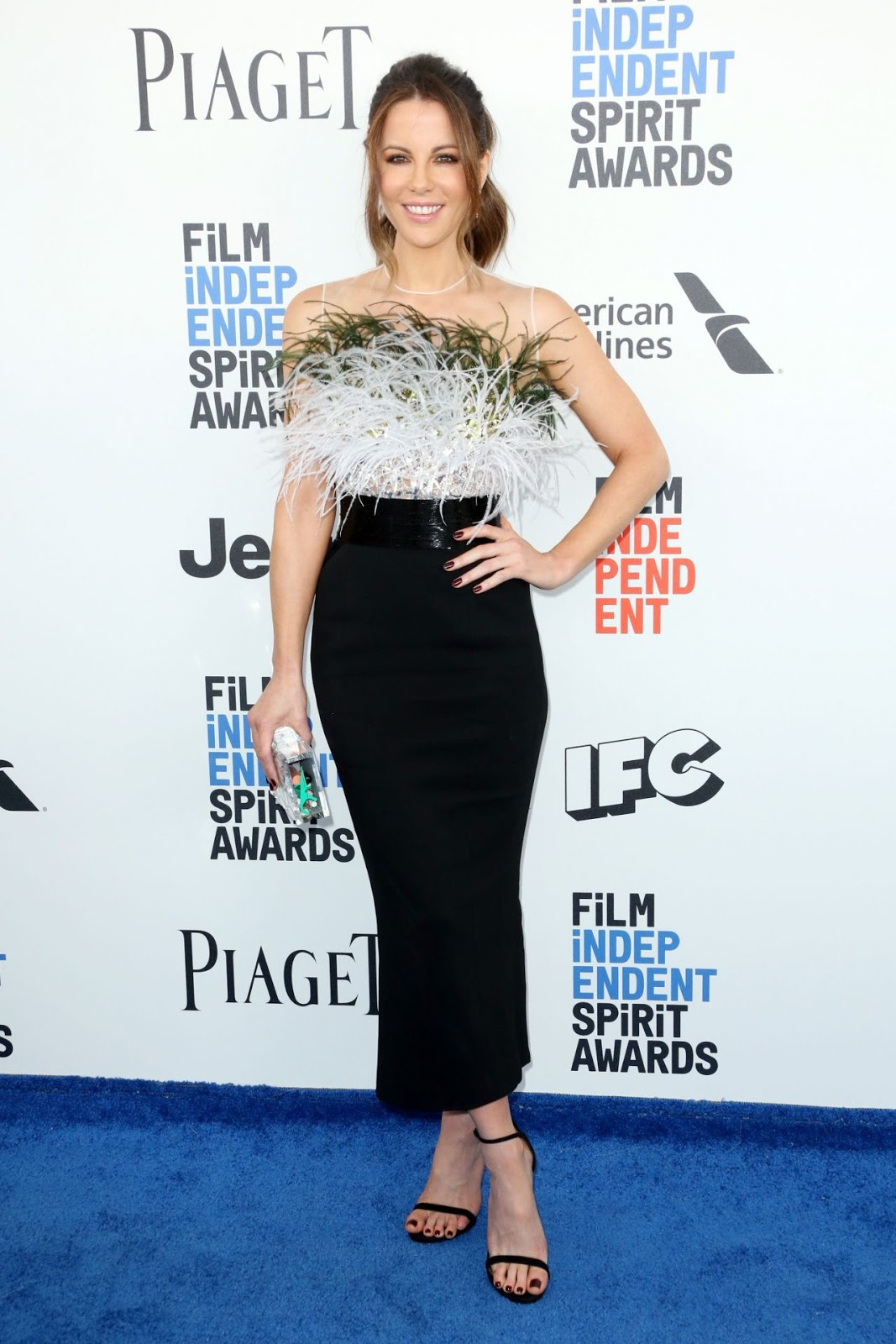 Kate Beckinsale is effortlessly chic at the 2017 Independent Spirit Awards