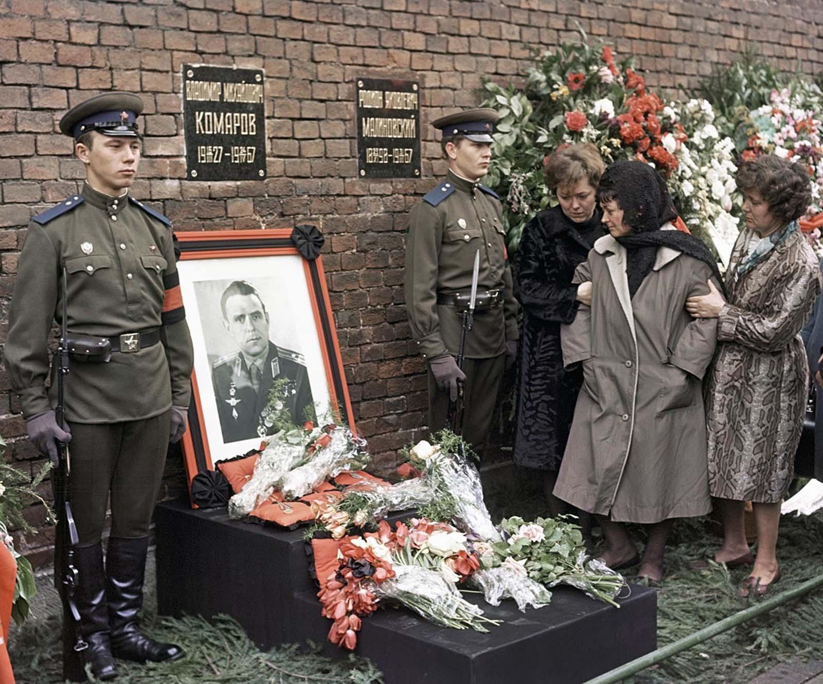 Vladimir Komarov cosmonaut