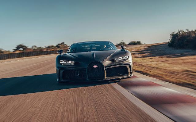 2021 - Bugatti Chiron Pur Sport, accelerazione laterale estrema