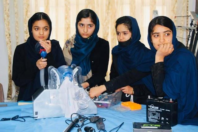 Mujeres afganas expertas en robótica y su fuga de película