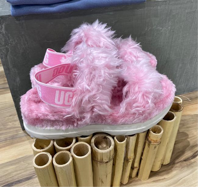 UGG Fluff Sugar sandals in pink
