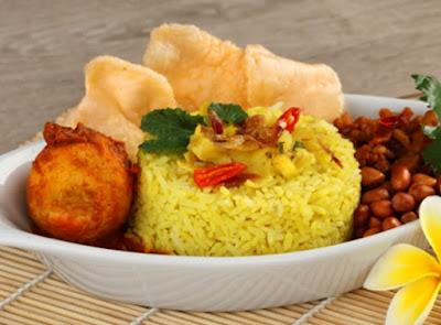 Panduan Membuat Nasi Kuning Menggunakan Rice Cooker