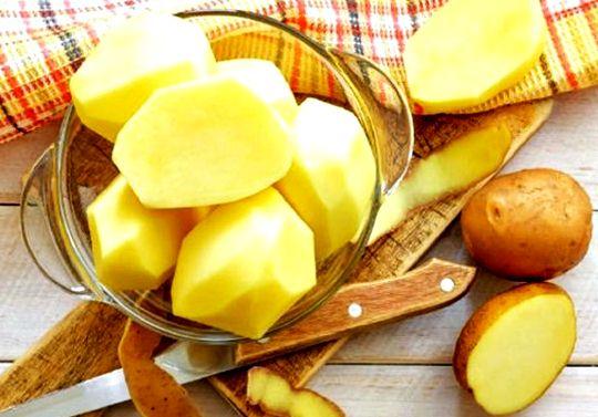 Potato mask application for flawless skin! How to make a potato mask