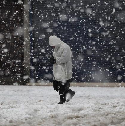 8 Arti Mimpi Hujan Salju Menurut Primbon Jawa Terlengkap
