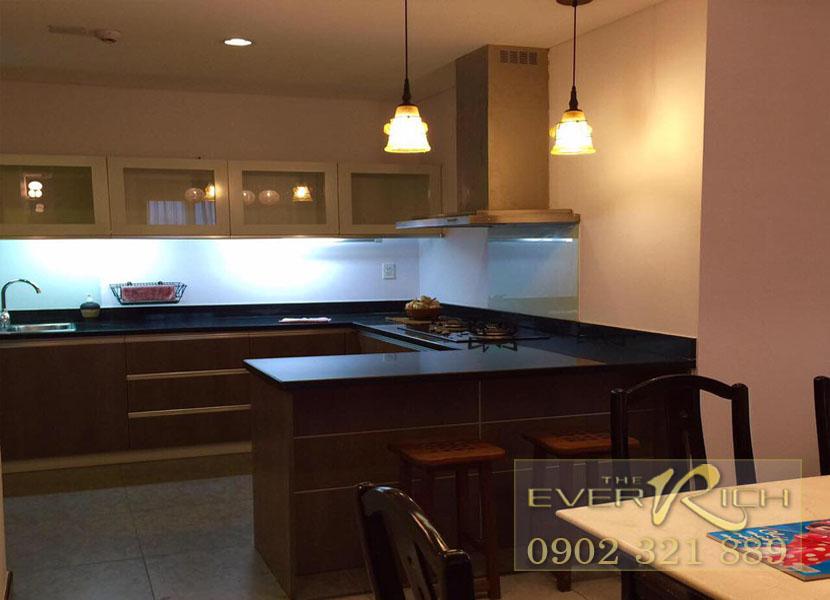 Cho thuê căn hộ The Everrich quận 11 - kệ tủ bếp