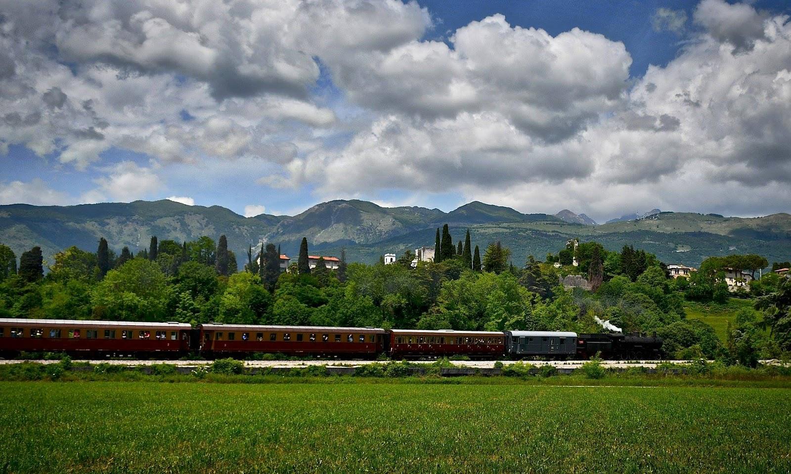Una foto per la ferrovia Pedemontana  le locandine dei treni storici  verranno realizzate con le foto degli appassionati 66aabe3764