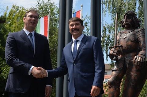 Statuia lui Iancu de Hunedoara, dezvelită la Belgrad în prezenţa preşedintelui Serbiei şi al Ungariei
