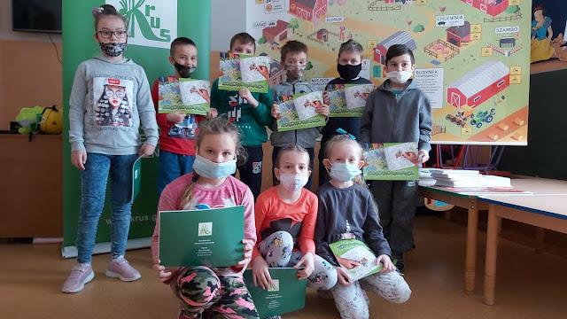 """Zajęcia edukacyjne na temat bezpieczeństwa dzieci w gospodarstwie rolnym """"Bezpieczna wieś"""""""