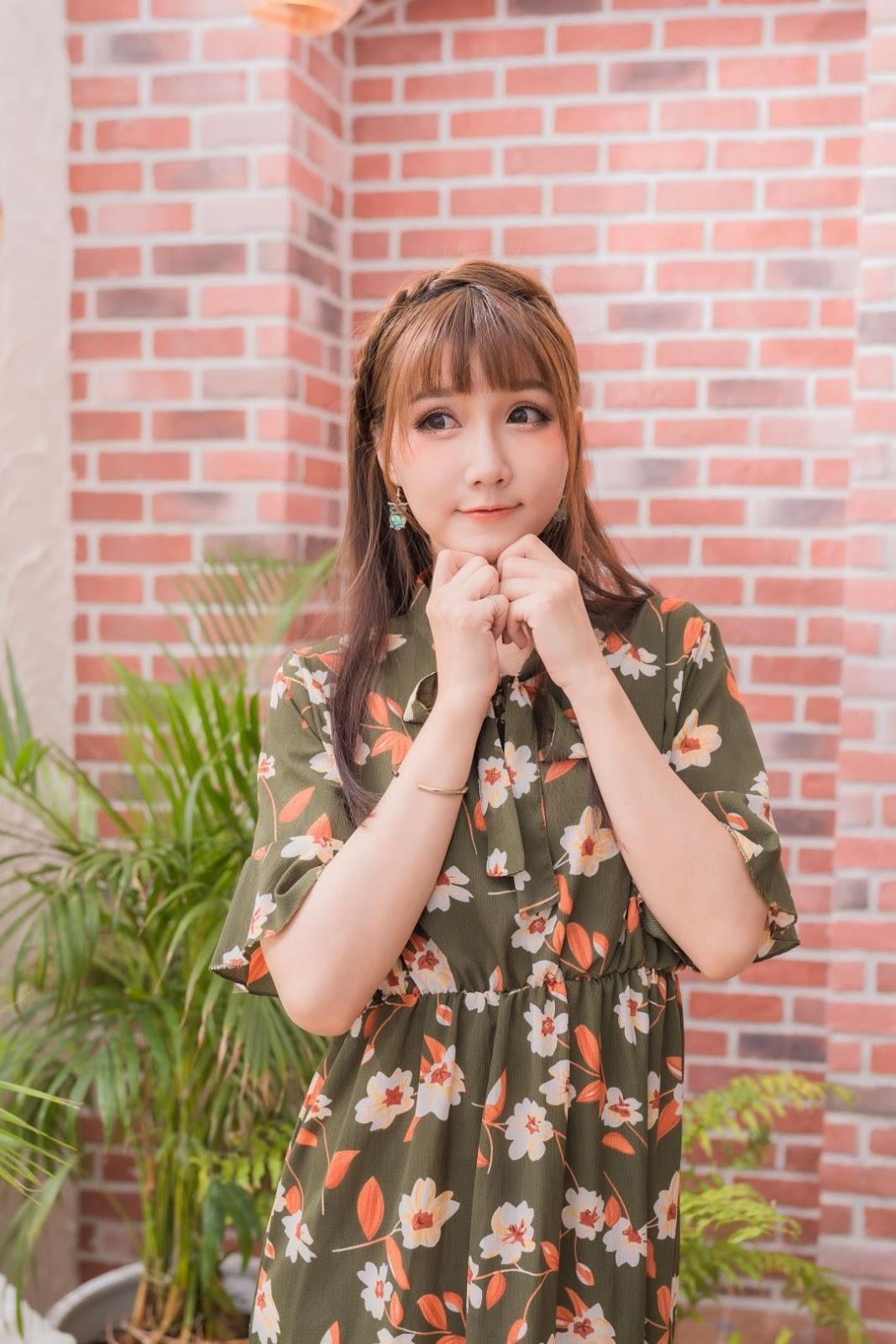 Qiao Qiao Er - 喬喬兒 - 2019.08.11 - Coffe Time Waiting For Someone - TruePic.net
