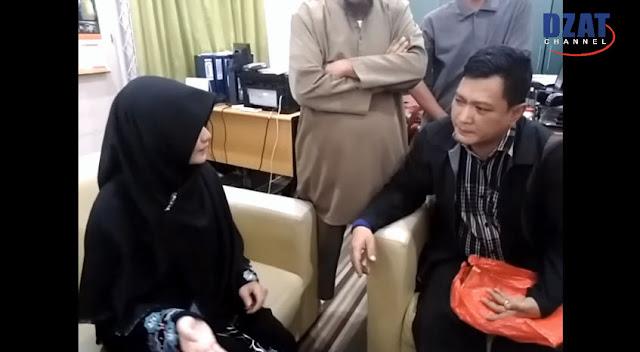 Tak Terima Putrinya Masuk Islam, Keluarga Ini Sewa Pengacara Khusus dan Datangi Masjid