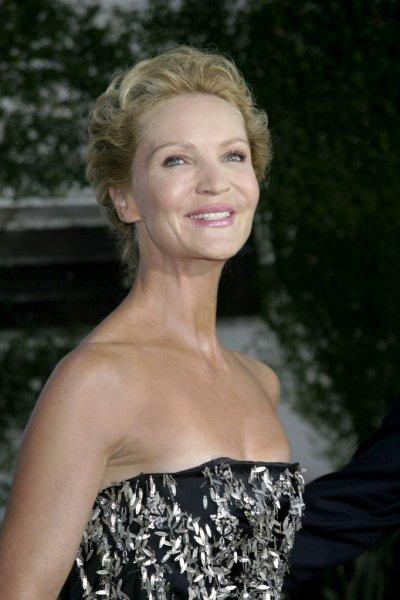 Actress Joan Allen Cleavage Actress Trend