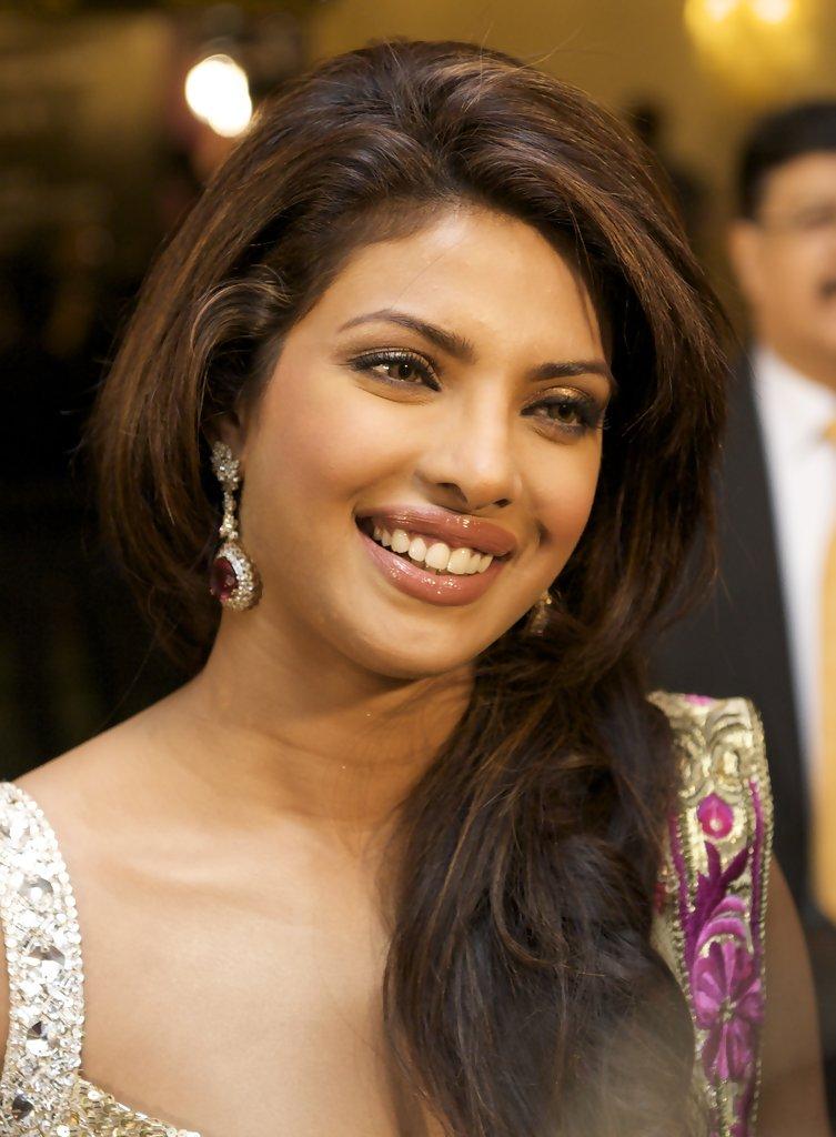 hq celebrity pictures: Priyanka Chopra hot photoshoot hd