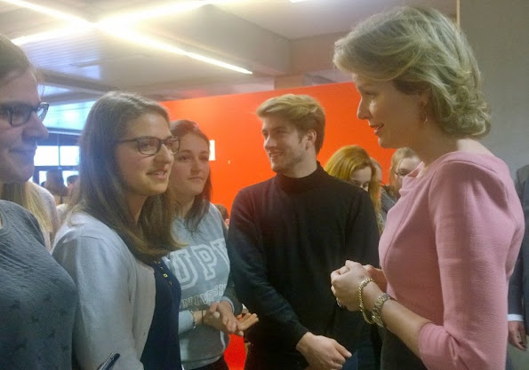 Queen Mathilde of Belgium visited the Campus Diepenbeek of the UHasselt university  to learn about the functioning of the Flemish Interuniversity Council for University Development (VLIR-UOS).
