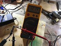 Determining the polarity of the socket