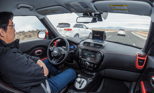 Dan untuk saat ini prediksi yang akan menjadi tren adalah self driving, atau kendaraan swakemudi.