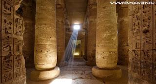 Kőbe vésett idősávok Egyiptomban
