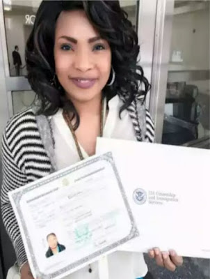 Actress, Laide Bakare now US Citizen, gets Official Certificate