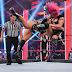 Cobertura: WWE RAW 08/06/20 - Asuka and Charlotte Flair clash in hard-hitting main event