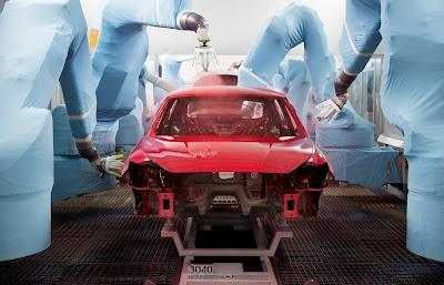 El Spa de los coches. Así se pinta un SEAT en la fábrica de Martorell.